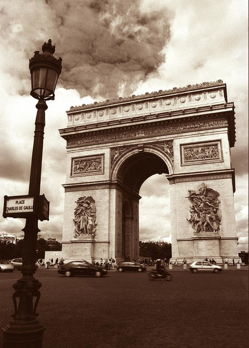 Arc De Triomphe Greeting Card featuring the photograph Arc De Triomphe by Kathy Yates