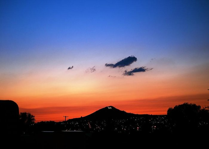 Sunset Greeting Card featuring the photograph Butte Montana Sunset by Kevin Bone