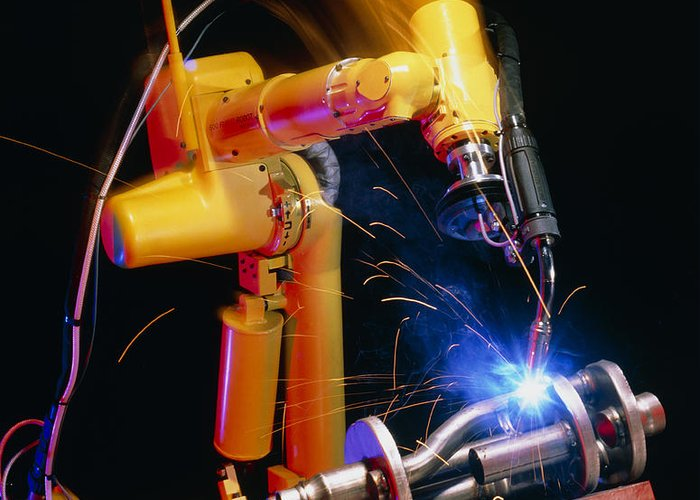 Computer Controlled Robot Greeting Card featuring the photograph Computer-controlled Arc-welding Robot by David Parker, 600 Group Fanuc