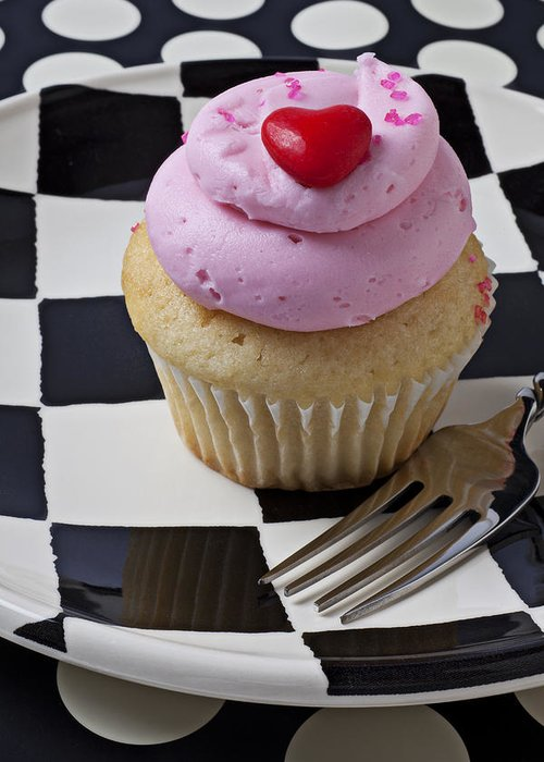 Cupcake Greeting Card featuring the photograph Cupcake With Heart On Checker Plate by Garry Gay