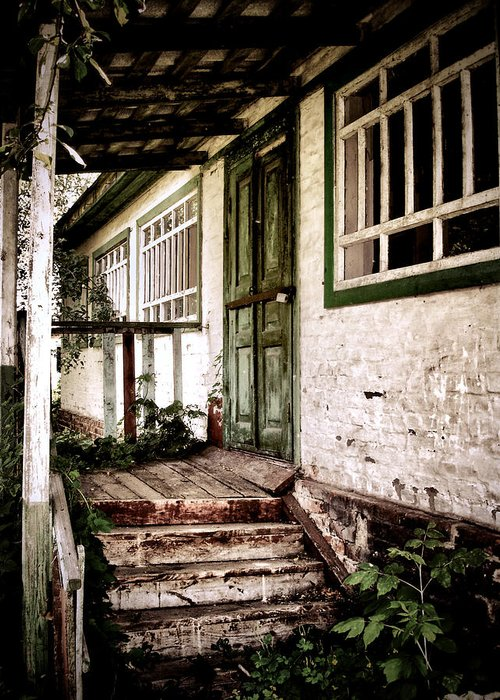 Old House Greeting Card featuring the photograph Deserted Not Forgotten by Julie Palencia