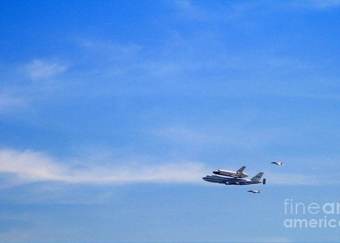 Space Shuttle Greeting Card featuring the photograph Endeavor Over L.a. 4 by Edith Ritter