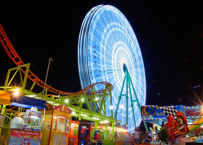 Amusement Greeting Card featuring the photograph Ferris Wheel At Night by Stelios Kleanthous