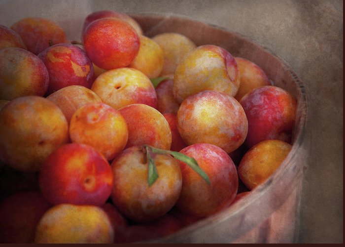 Hdr Greeting Card featuring the photograph Food - Peaches - Farm Fresh Peaches by Mike Savad