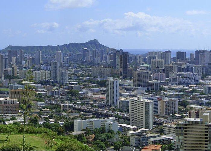 Hawaii Greeting Card featuring the photograph Honolulu And Diamond Head by Daniel Hagerman
