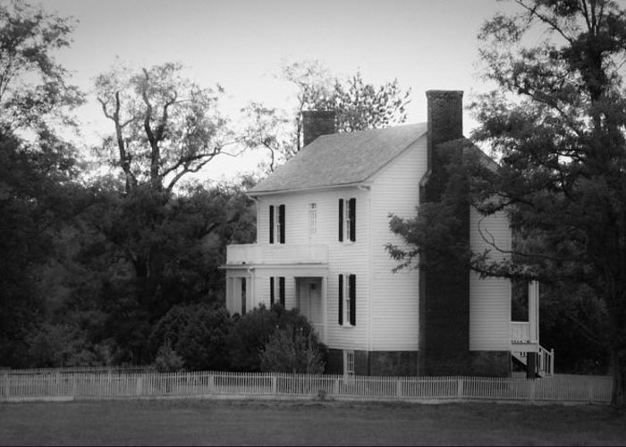 Appomattox Greeting Card featuring the photograph Isbell House Appomattox Virginia by Teresa Mucha