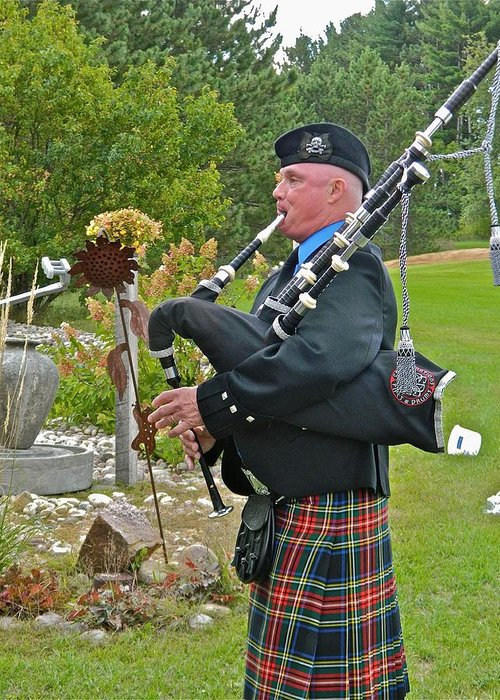 Bagpipe Greeting Card featuring the photograph Keen Of The Kilt by Randy Rosenberger
