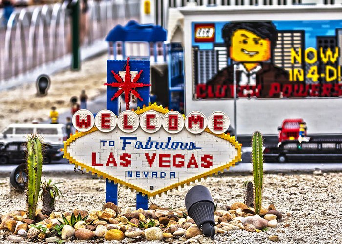 Welcome Greeting Card featuring the photograph Las Legos by Nicholas Evans