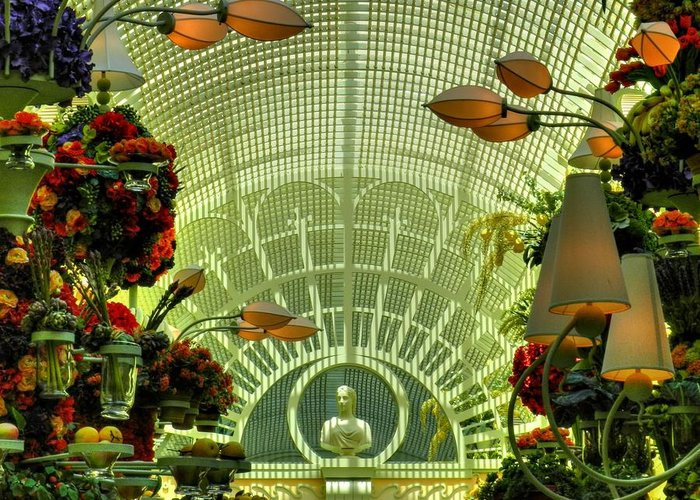 The Wynn Hotel And Casino Greeting Card featuring the photograph Las Vegas 044 by Lance Vaughn