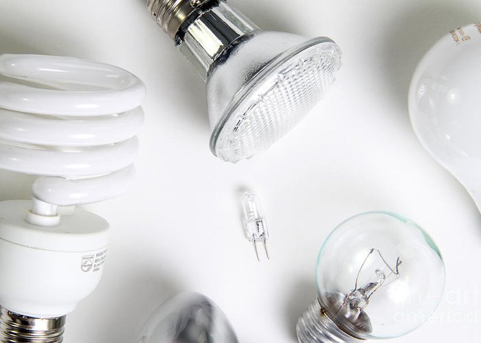 Bulb Greeting Card featuring the photograph Light Bulbs by Photo Researchers, Inc.