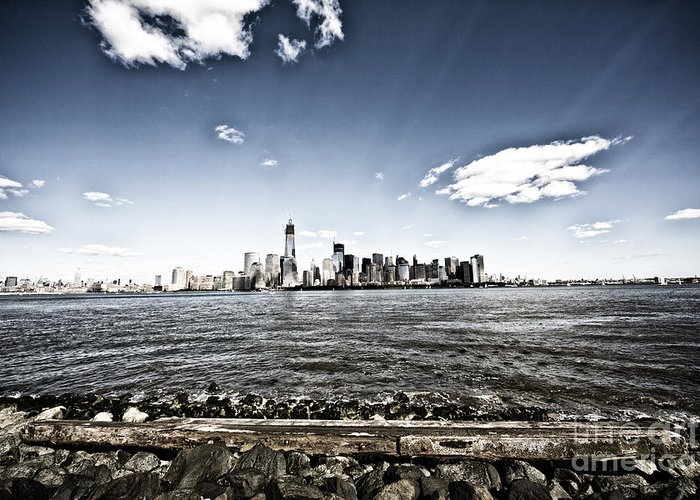 New York Greeting Card featuring the photograph Manhattan by Leslie Leda
