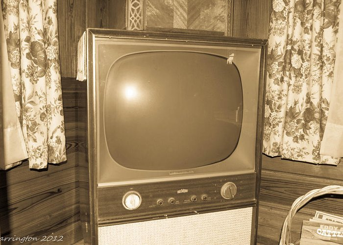 Old Tv Greeting Card featuring the photograph Old Television by Shannon Harrington