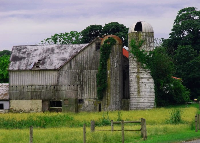 Barn Greeting Card featuring the photograph Pa Barn by Dottie Gillespie