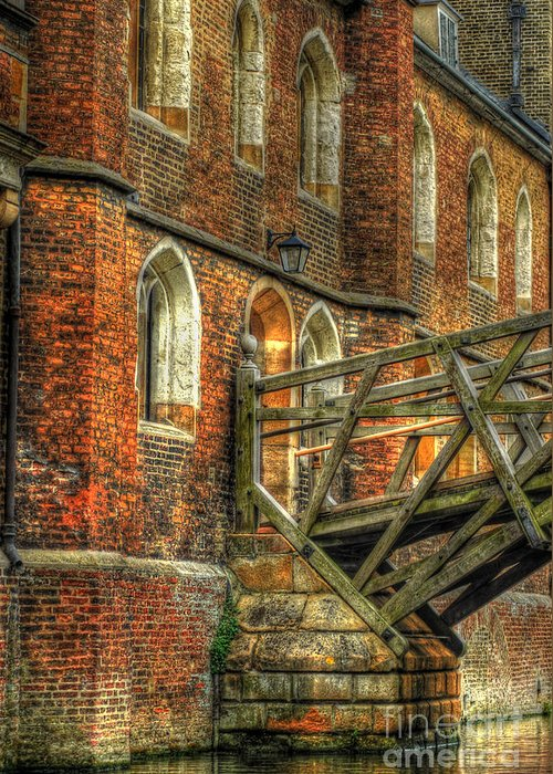 Cambridge Greeting Card featuring the photograph Queens' College And Mathematical Bridge by Yhun Suarez