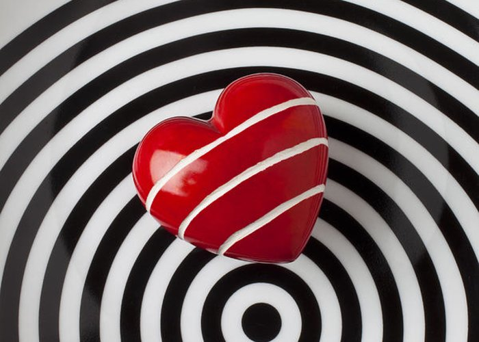Red Greeting Card featuring the photograph Red Heart On Circle Plate by Garry Gay