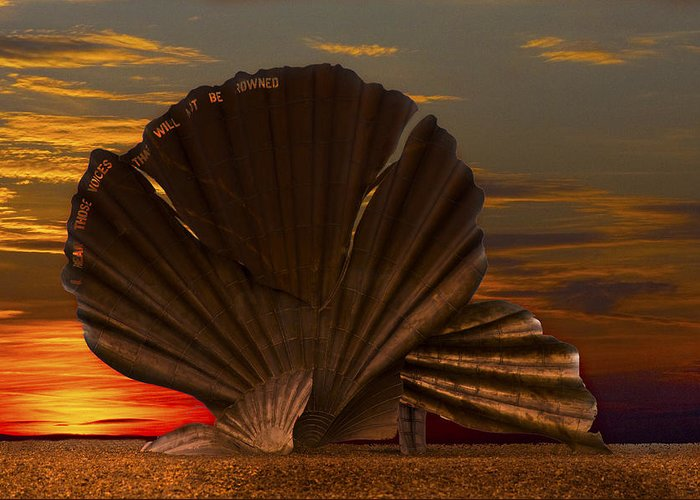 Aldeburgh Greeting Card featuring the photograph Scallop Sunrise At Aldeburgh by Darren Burroughs