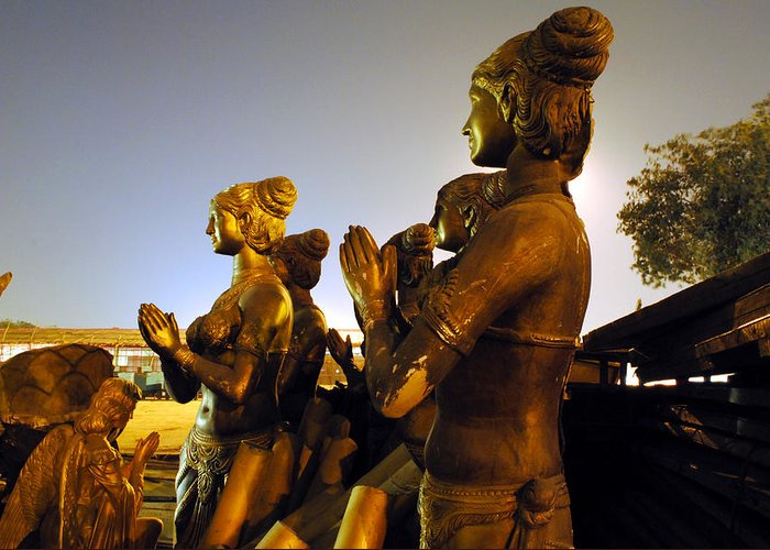 Sculpture Greeting Card featuring the photograph Sculpture Of Women by Sumit Mehndiratta