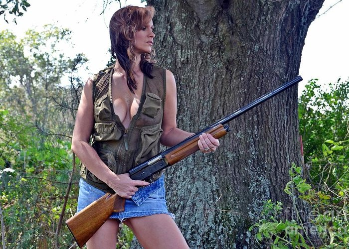 THERESA: Sexy hunting photos