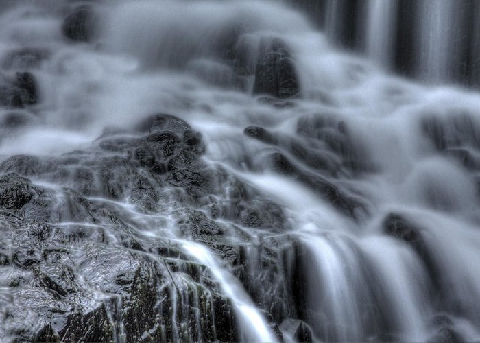 Buttermilk Falls Greeting Card featuring the photograph Skull On The Rocks by Jeff Bord