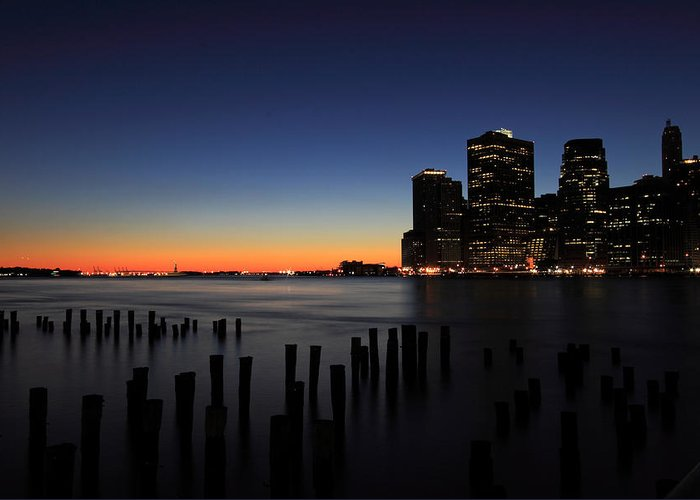New York City Greeting Card featuring the photograph Sunset In Manhattan by Kean Poh Chua