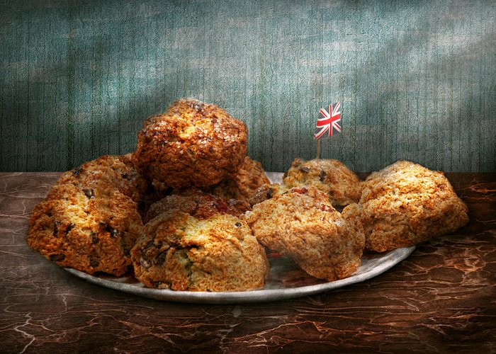 Scone Greeting Card featuring the photograph Sweet - Scone - Scones Anyone by Mike Savad