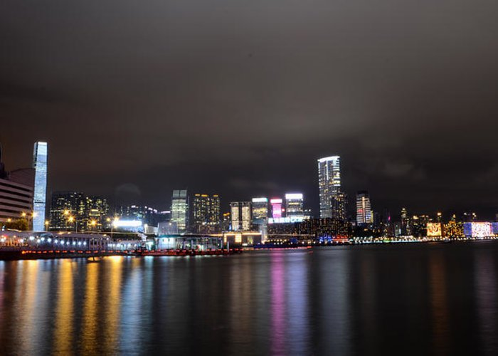 Kowloon Greeting Card featuring the photograph Tsim Sha Tsui - Kowloon At Night by Enrique Rueda