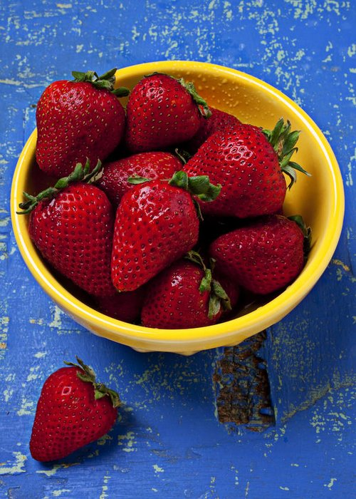Strawberry Greeting Card featuring the photograph Yellow Bowl Of Strawberries by Garry Gay