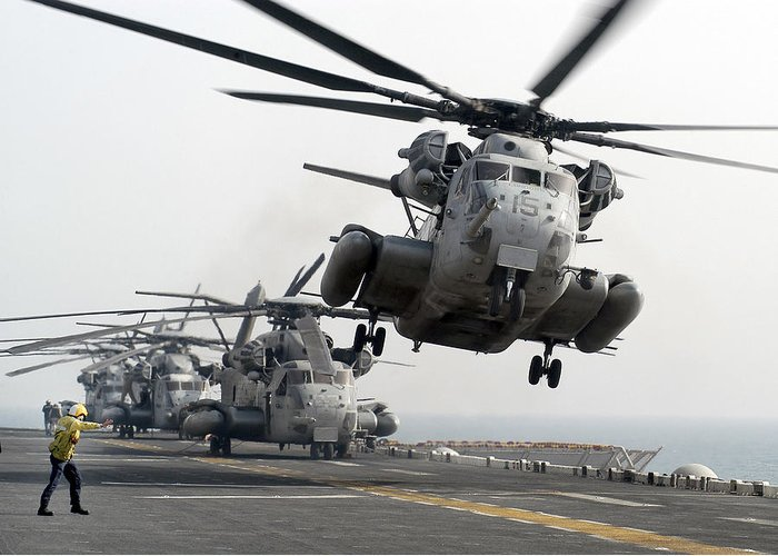 Horizontal Greeting Card featuring the photograph A Ch-53e Super Stallion Lifts by Stocktrek Images