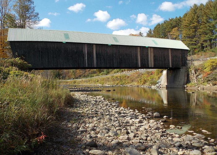Lincoln Bridge Greeting Card featuring the photograph Lincoln Covered Bridge by Catherine Gagne