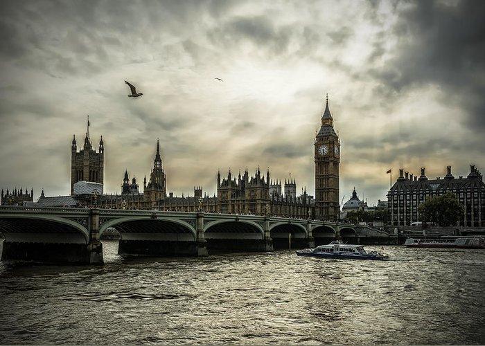 London Greeting Card featuring the photograph London by Jaroslaw Grudzinski