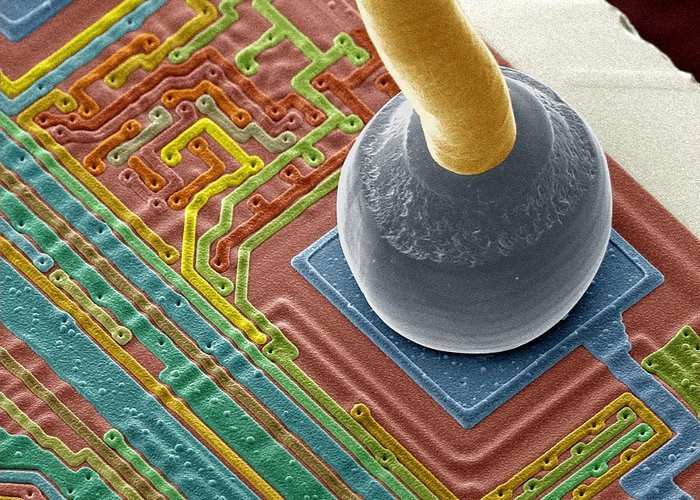 Soldered Greeting Card featuring the photograph Silicon Chip Micro-wire, Sem by Power And Syred
