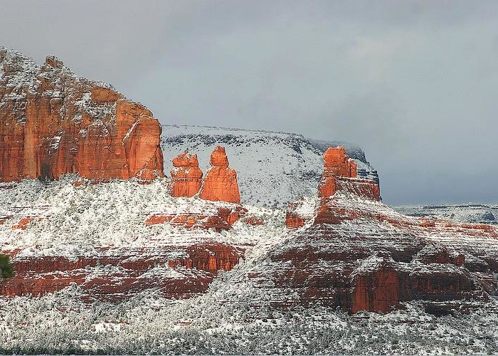 Sedona Greeting Card featuring the photograph The Sail by Gary Kaylor