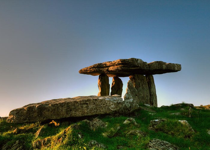 Poulnabrone Greeting Card featuring the photograph Poulnabrone Dolmen by John Quinn
