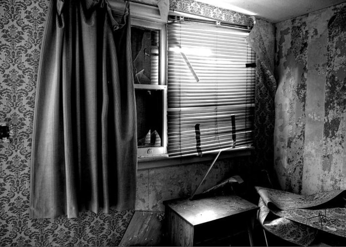 Abandoned Greeting Card featuring the photograph Abandoned Motel Room by Jim Vance