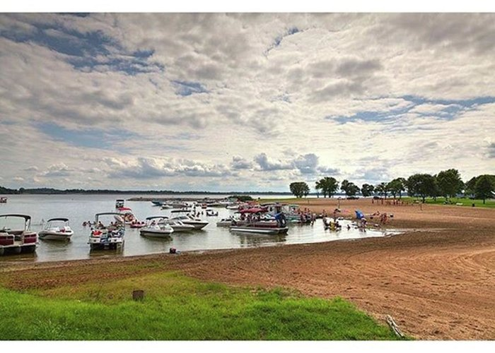 Rendlake Greeting Card featuring the photograph Americans At Play  south Marcum by Larry Braun