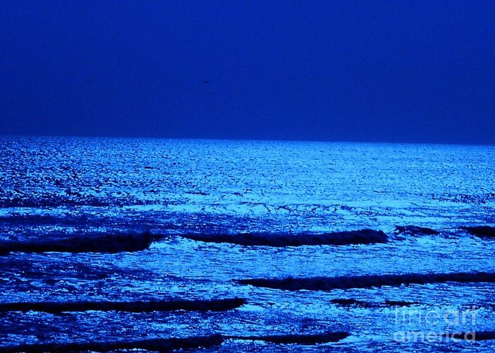 Beach Greeting Card featuring the photograph Bluewater by Djl Leclerc