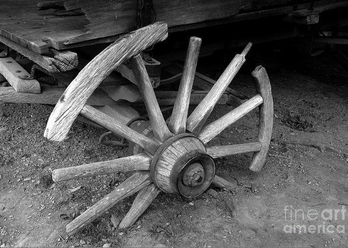 Wagon Wheel Greeting Card featuring the photograph Broken Wheel by David Lee Thompson