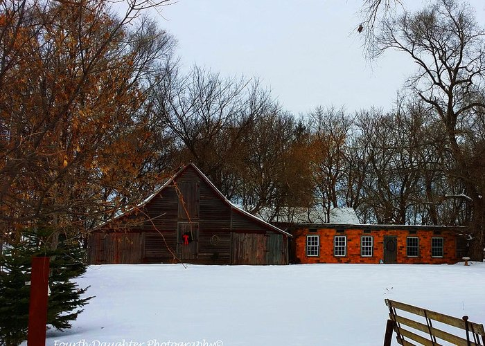 Barn Greeting Card featuring the photograph Christmas @ The Barn by Diane Shirley