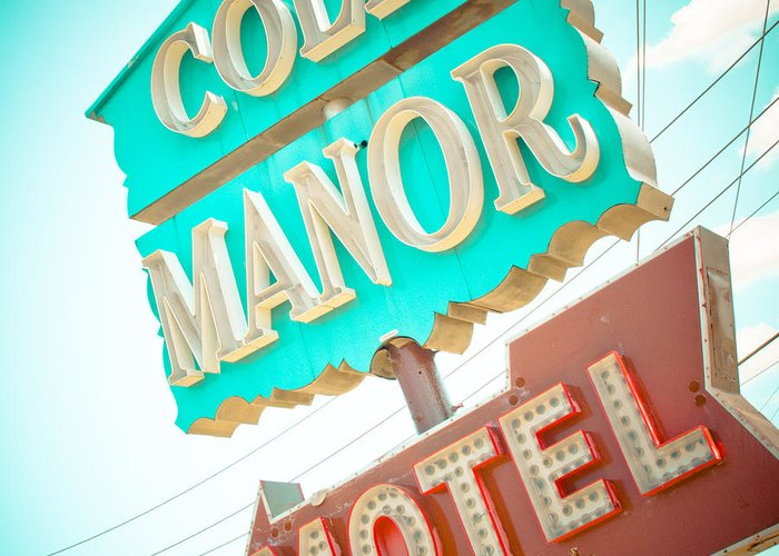 Dallas Greeting Card featuring the photograph Cole Manor Motel by David Waldo