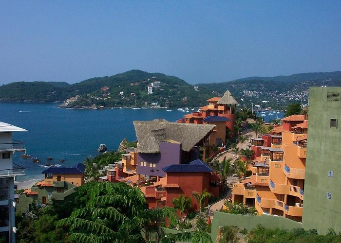 Zihautanejo Greeting Card featuring the photograph Colorfull Mexico by James Johnstone