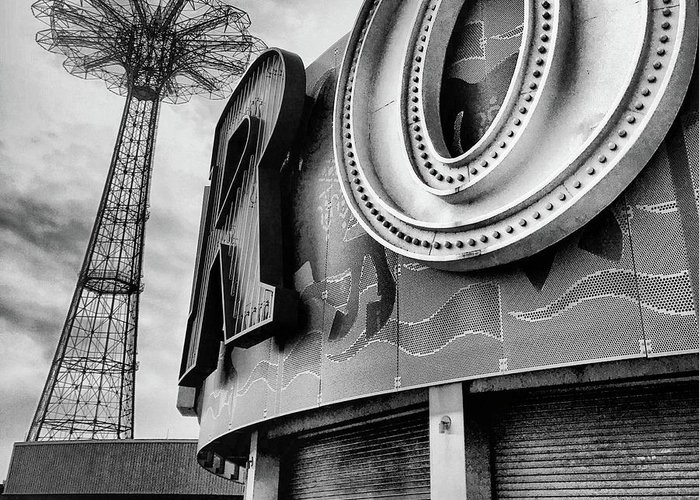 Coney Island Greeting Card featuring the photograph Coney Island Usa by HD Connelly