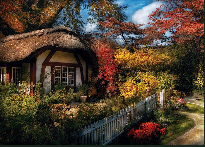 Savad Greeting Card featuring the photograph Cottage - Grannies Cottage by Mike Savad