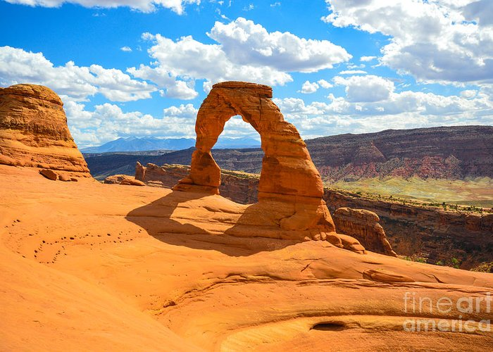 Delicate Arch Greeting Card featuring the photograph Delicate Arch by Craig Hinton