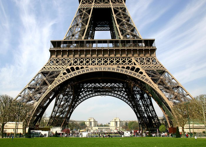 Paris Greeting Card featuring the photograph Eiffel Tower by Hans Jankowski