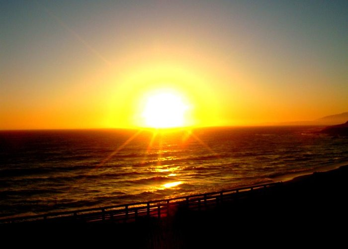 Cambria Greeting Card featuring the photograph Falling Sun by Melissa KarVal