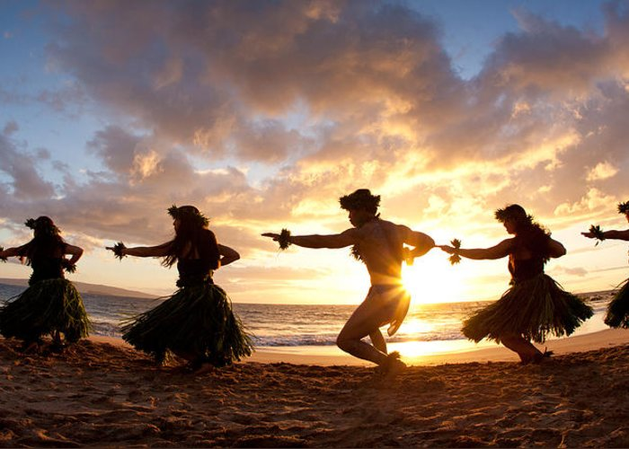 Hawaii Greeting Card featuring the photograph Five Hula Dancers On The Beach by David Olsen