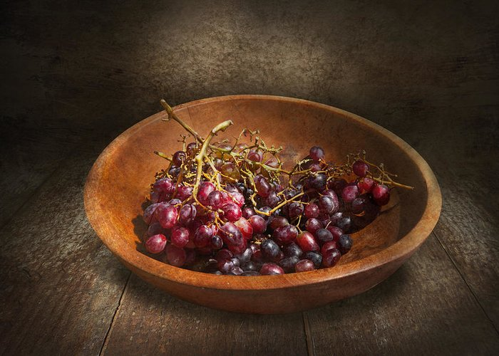 Chef Greeting Card featuring the photograph Food - Grapes - A Bowl Of Grapes by Mike Savad