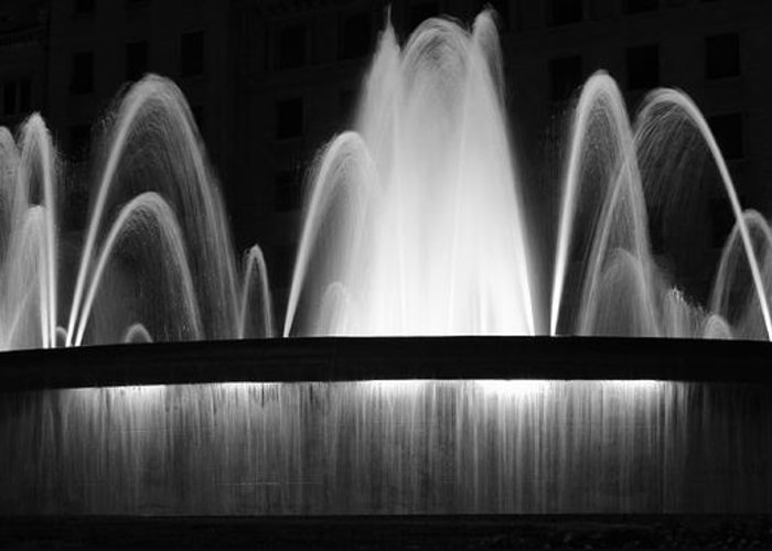 Fountain Greeting Card featuring the photograph Fountain In Barcelona by Farol Tomson