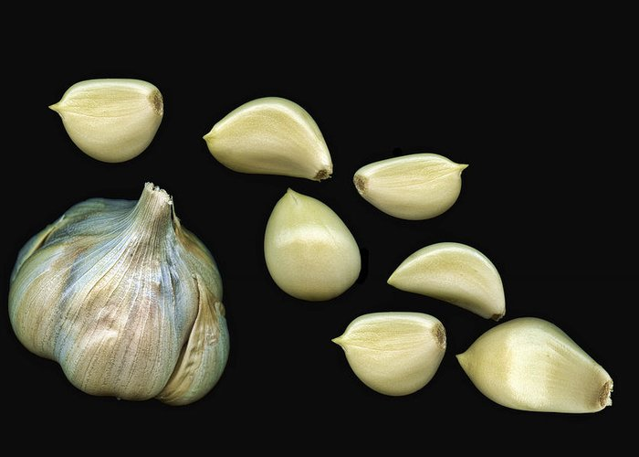 Garlic Greeting Card featuring the photograph Garlic Cloves by Tom Mc Nemar