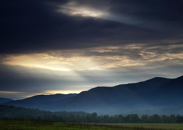 Smoky Greeting Card featuring the photograph Heaven's Light by Andrew Soundarajan